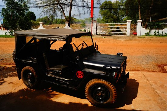 Thaiyang Chhen Hotel: Private Jeep To Beach
