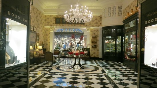 The Savoy: Foyer