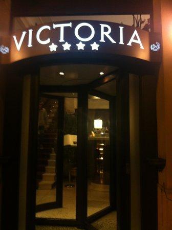 Victoria Hotel : Hotel entrance