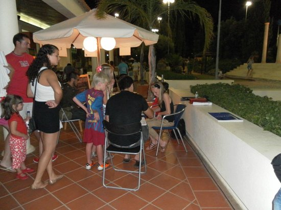 Family Golf Park: Thematic nights in August