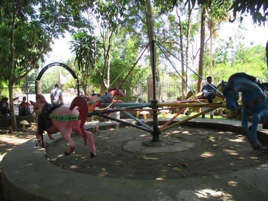Villa Escudero Resort: Carousel