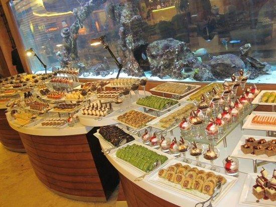 Gloria Serenity Resort: Das Nachtischbüffet: Sensationell!