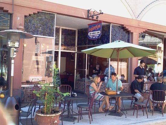 La Herencia Cafe : Outdoor seating