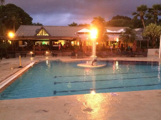 Fiji Hideaway Resort & Spa: Happy Hour