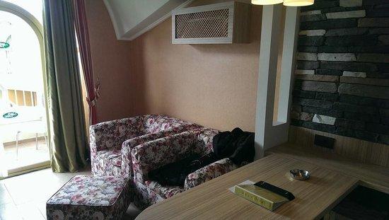 Club Exelsior: lounge area