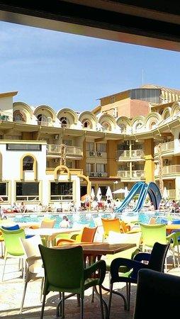 Club Exelsior: Pool area