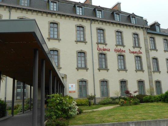 Résidence Duguesclin : Vue de l'hôtel