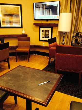 Comfort Inn Ballston: Small part of pleasant breakfast room