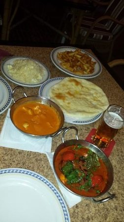 The British Bulldog: Great curry! Tikka Massala and Korma