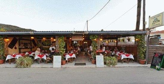 Dionysos Taverna Restaurant: Best Restaurant in Town