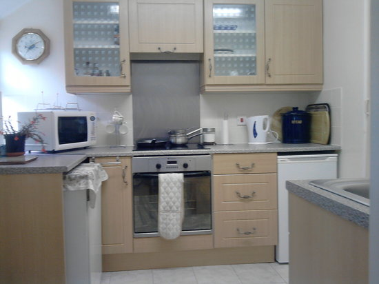Rosehill Farm Bed and Breakfast: self catering cosy Nook Cottage kitchen