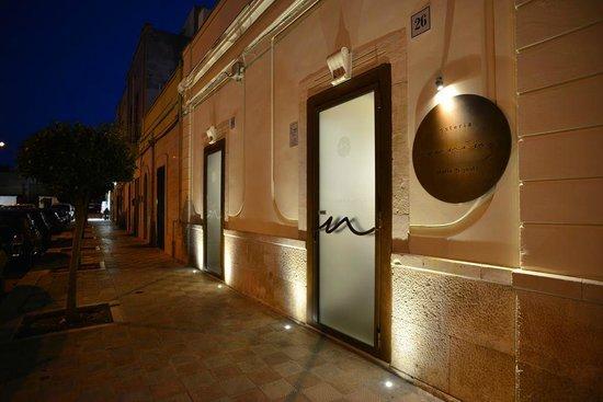 Torre a Mare, Italia: Osteria Nannina, ingresso di sera