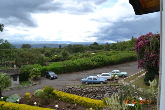 Oyster Shell Restaurant: The parking lot and some of the view towards Nakuru Town