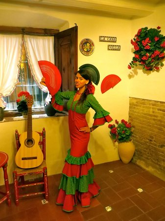 La Casa Vella - Flamenco in Barcelona: This photo is with my snapshot... Still traveling, so have not scanned the professional one take