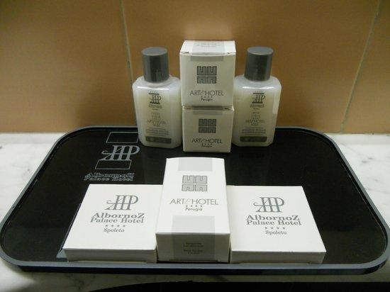 Albornoz Palace Hotel : set bagno