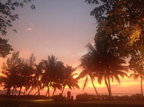 Shangri-La's Rasa Sayang Resort & Spa : Sunsets like this every night