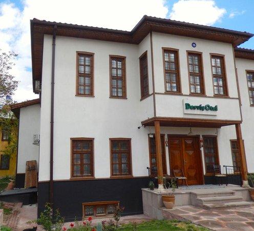 Konya Dervish Otel: Front of Dervish Hotel.
