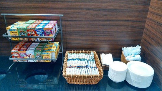 Fairfield Inn & Suites Durham Southpoint : Other packaged cereals and breakfast bars