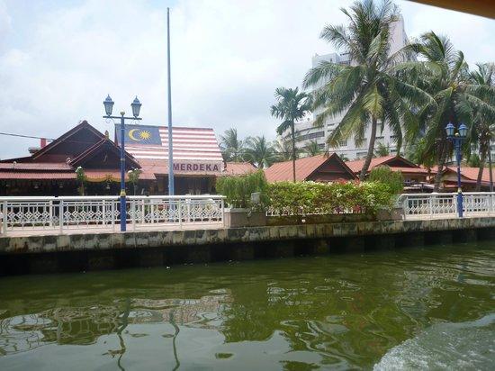 Melaka river cruise picture of melaka river cruise for Balcony 52 melaka