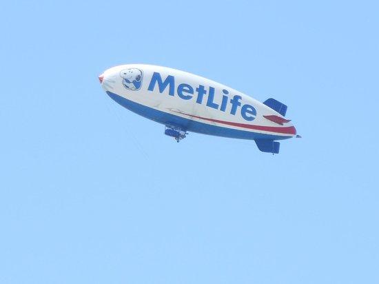 New York Harbor: MetLife Baloon