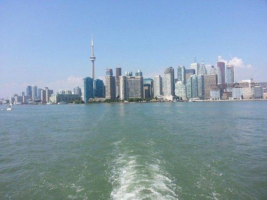 Toronto Island Park: from ferry