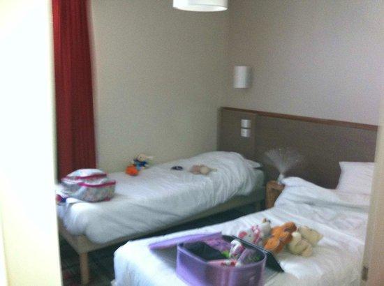 Apartamentos Pierre & Vacances Les Crozats: Twin bedroom