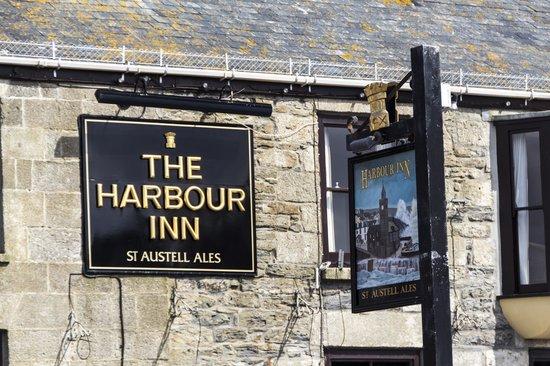 Harbour Inn: sign