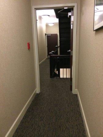 The Parker Inn & Suites: Hallway