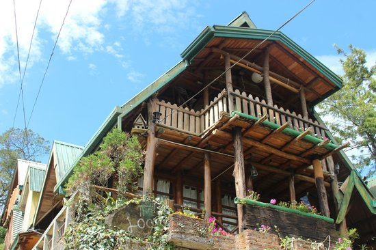 The Log Nuwara Eliya : Exterior View