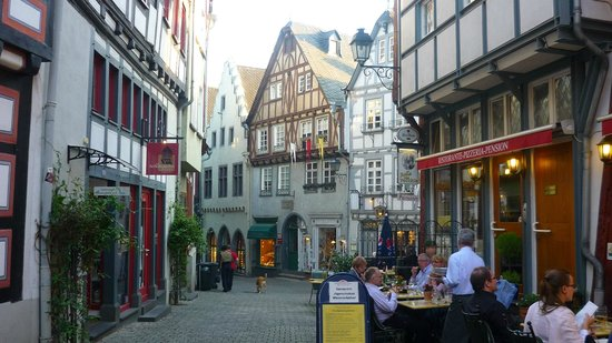 Dom Hotel Limburg: Limburg Old Town