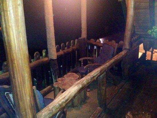 The Log Nuwara Eliya : Balconey