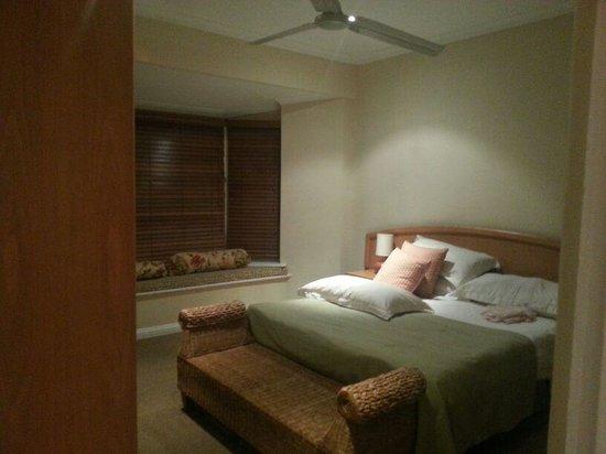 Alluvia Wine Estate: Bedroom in Avalon House