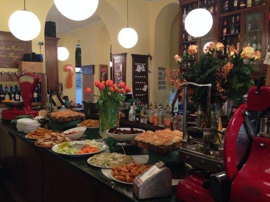 Caffe della Pusterla: Ogni sera a partire dalle 18:30.. Il nostro aperitivo a 7.00€