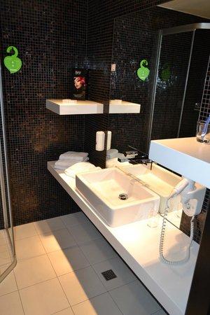 Tallink Hotel Riga: Bathroom