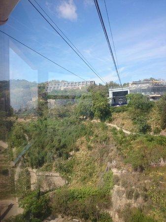 Parc de Montjuic: Teleférico del Puerto- arriving Montjuic side