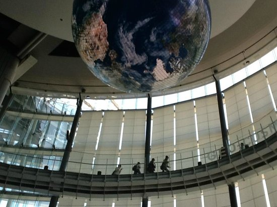 National Museum of Emerging Science and Innovation Miraikan: 地球儀