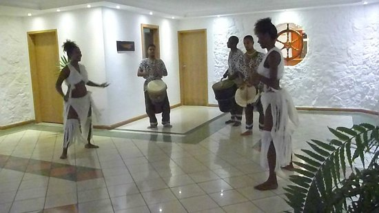 Le Surcouf Hotel & Spa: Musik-oder Tanzgruppen kommen ins Hotel