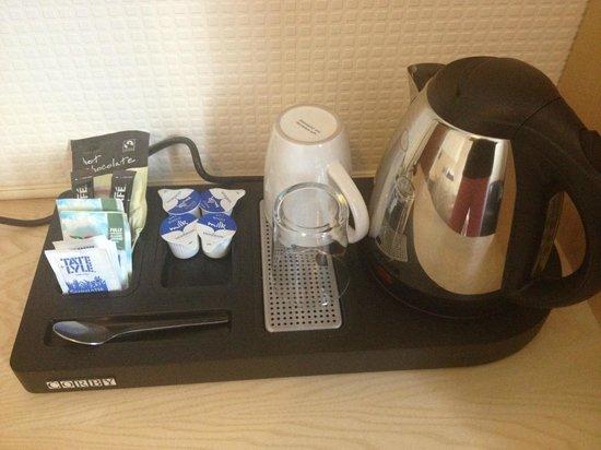 Elmdon Lodge: complimentary tea/coffee/hot chocolate