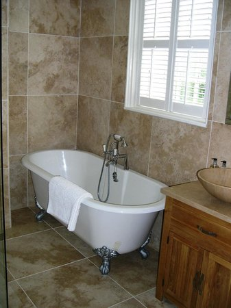 The Old Rectory: bathroom