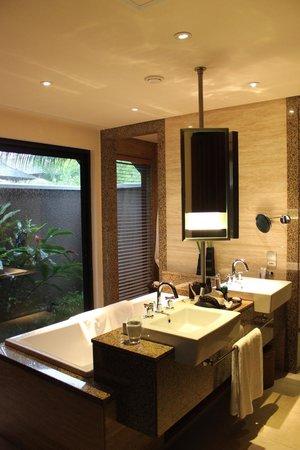 Constance Ephelia: The beautiful bathroom