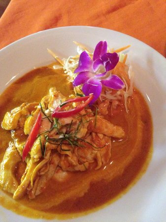 The Orchid Restaurant & Bar: Chicken Penang - DELISH