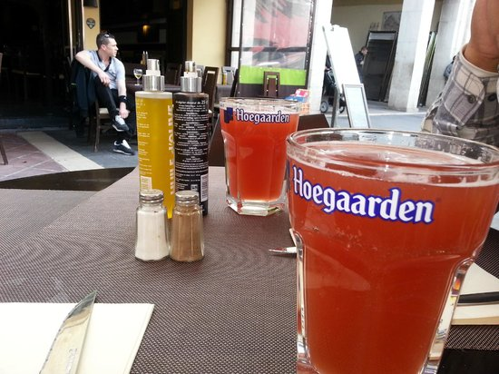Atmosphere Cafe: Hoegaarden rose