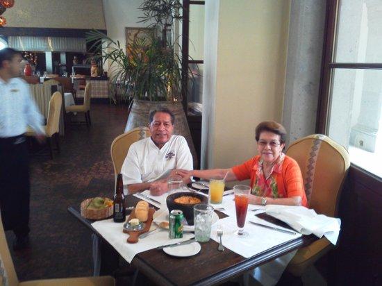 Rosewood San Miguel de Allende : Comida familiar.