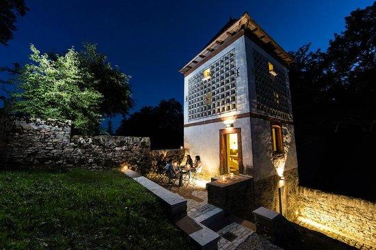 Château De Marigna : Le Colombier