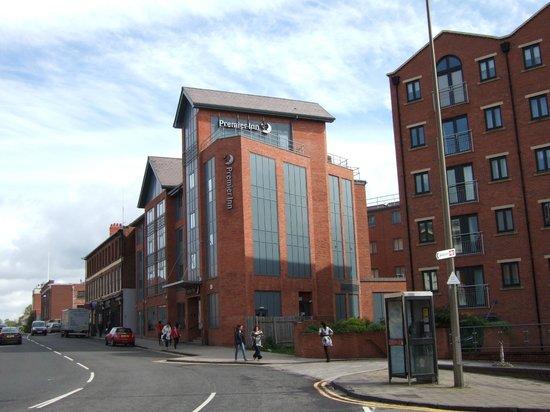 Premier Inn Chester City Centre Hotel: Hotel exterior