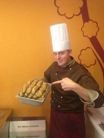 Gelateria Chocolat: Cannoli!!!