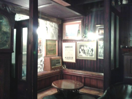 The Mishnish Bar: another interesting wee corner