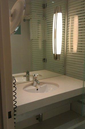 Carnac Thalasso & Spa Resort Hotel: salle de bain