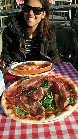 Trattoria Piazza Rossa: Amazing pizza!