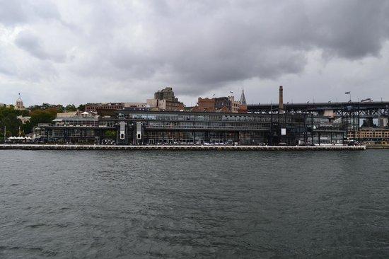 Sydney Ferries : Вид на Сиднейскую гавань с ферри
